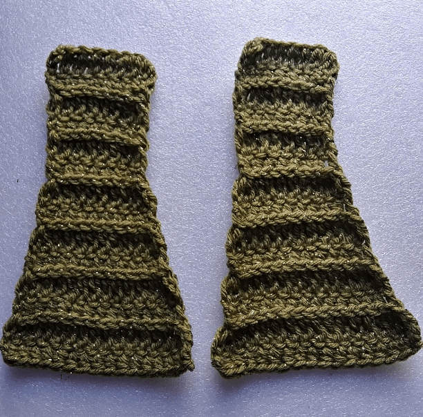 Front straps of sweater